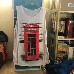 London phone booth graphic tank top